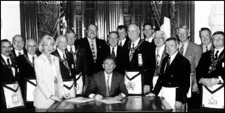 George Walker Bush Mason black and white (2)