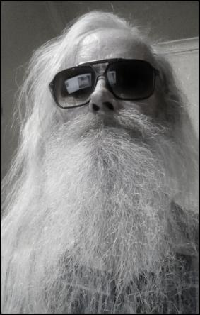 Redneck comedian beard no caption near BW 600