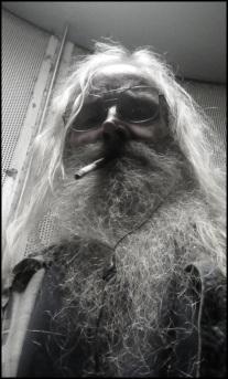Old Robby Redneck full beard LESS COLOR 600